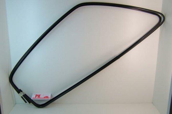 Cadre de vitre de porte noir Fiat126